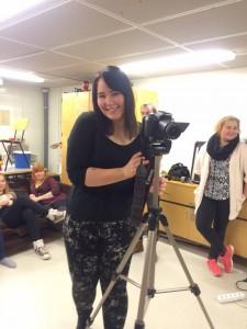 Iida Saarivuori kuvaamassa musiikkivideota. Kuva: Linda Blomqvist
